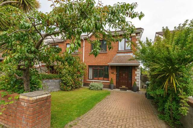15 Rathmichael Manor, Loughlinstown, Dublin 18.