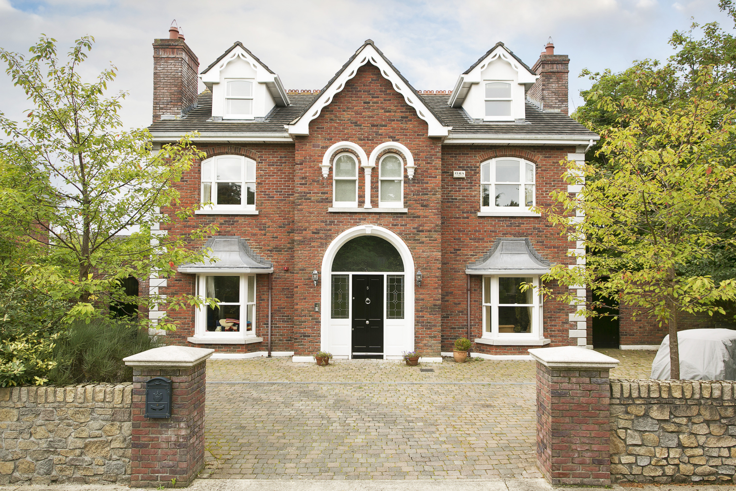 5 Saint Matthias Wood, Church Road, Killiney, Co. Dublin