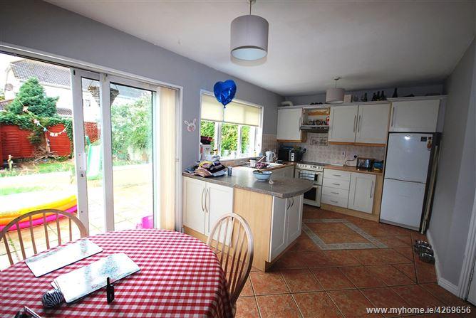37 Earlsfort Avenue, Lucan, County Dublin