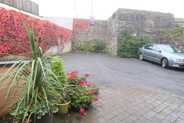 KENNY'S GUEST HOUSE, Kenny's Guest House, Castlebar, Co. Mayo
