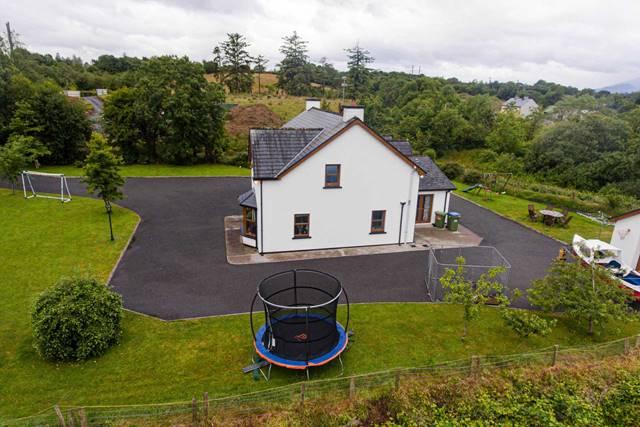 Crossoge, Dromloughlin, Bantry, West Cork, P75 WP83