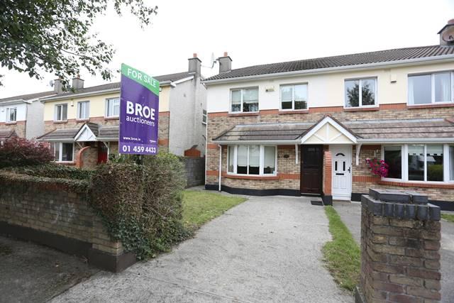 82 Elmbrook Crescent, Lucan, Co. Dublin