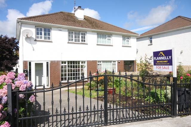 33 Castlehill Park, Turlough Road, Castlebar, Co. Mayo