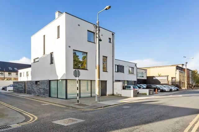 3 Lanesville Grove, Monkstown, County Dublin