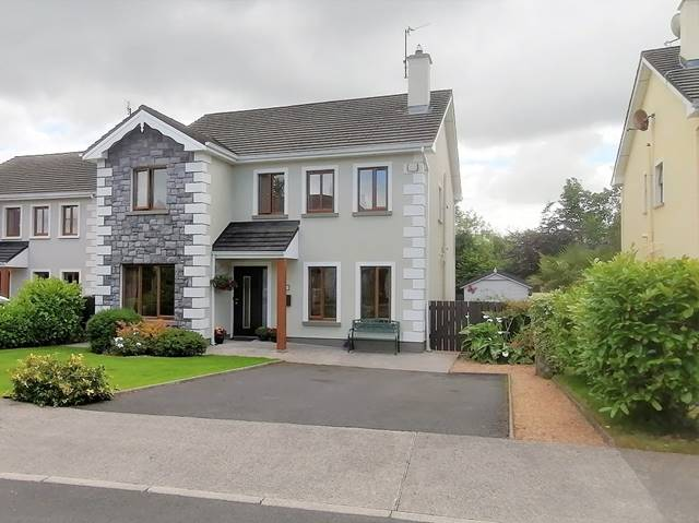15 Faiche Lé­n, Leicné­n Village, Turlough, Co. Mayo
