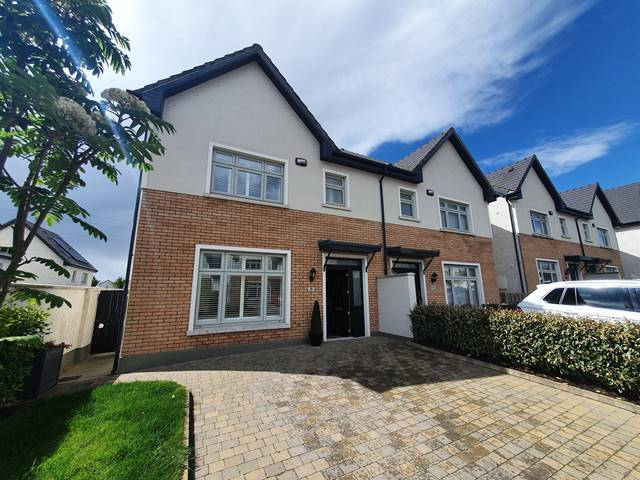 9 The Lawn, Janeville, Carrigaline, Co. Cork