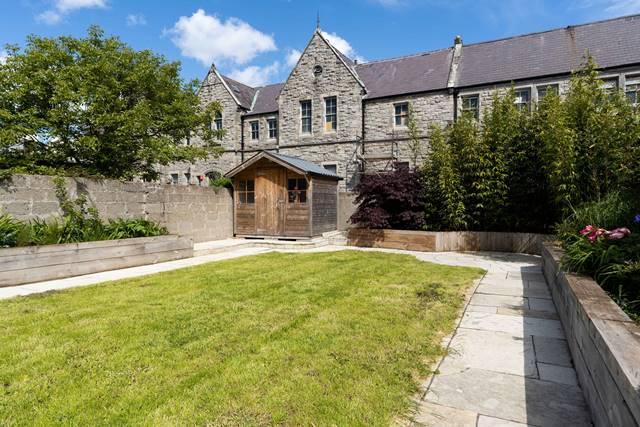 12 Avondale Lawn, Blackrock, Co. Dublin