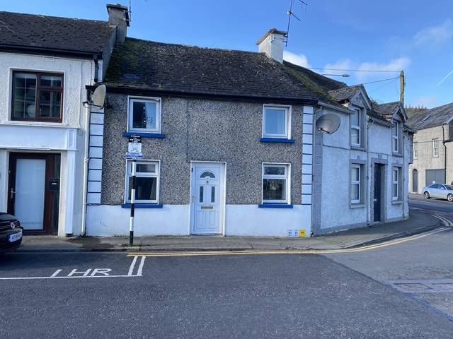 2 Pound Road, Nenagh, Co. Tipperary