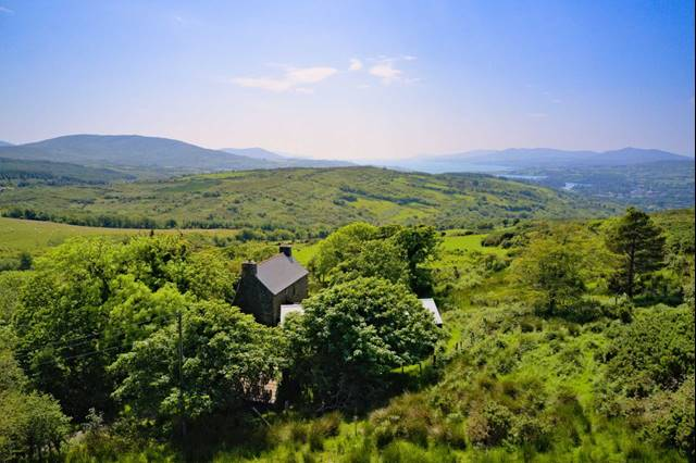 House In The Trees, Ballycommane, Durrus, P75 V254