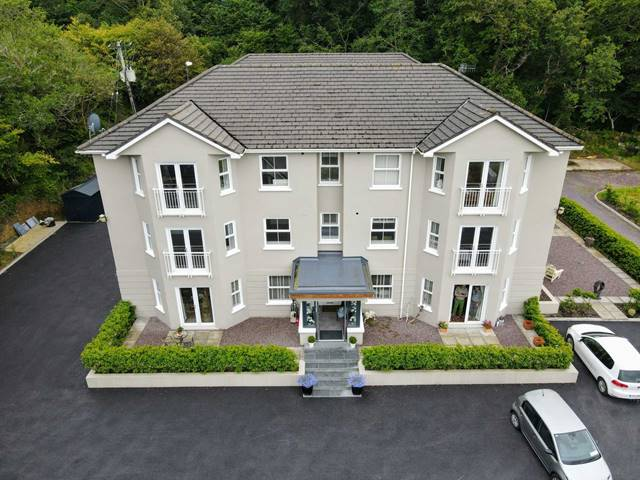 F4 Hazelwood House, Ballylickey, Bantry, West Cork