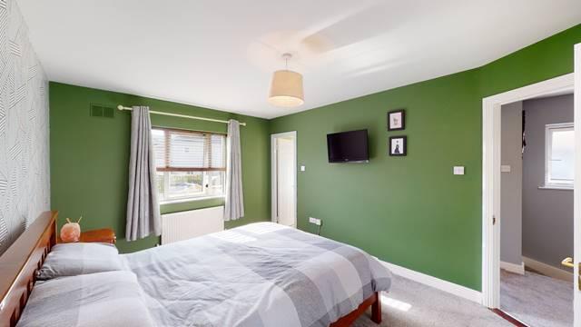 4 Woodstown Vale, Knocklyon, Dublin 16