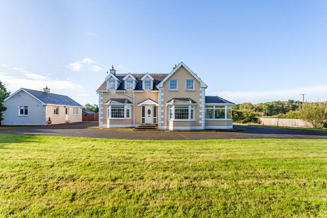 Residence & Stables on c. 14 Acres, Nurney, Co. Kildare