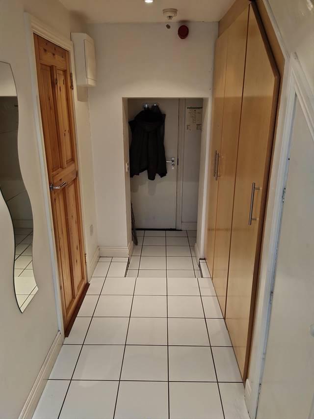 Apartment 8, 18 Grand Canal Street Lower, Dublin 2